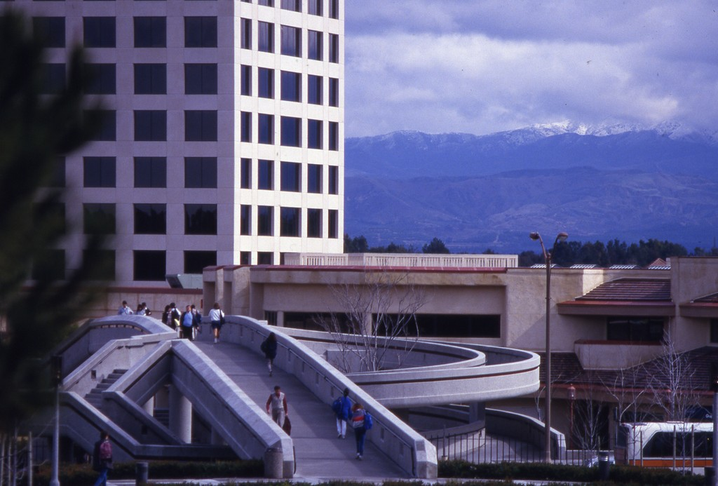 The pedestrian bridge connecting UCI with the Town Center